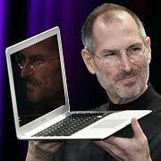 Apple-Boss Steve Jobs: Der Beschleunigungsmesser im Macbook Air schützt die Festplatte - und könnte Erdbeben wittern