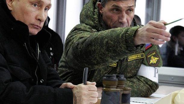 Präsident Putin bei Manöver