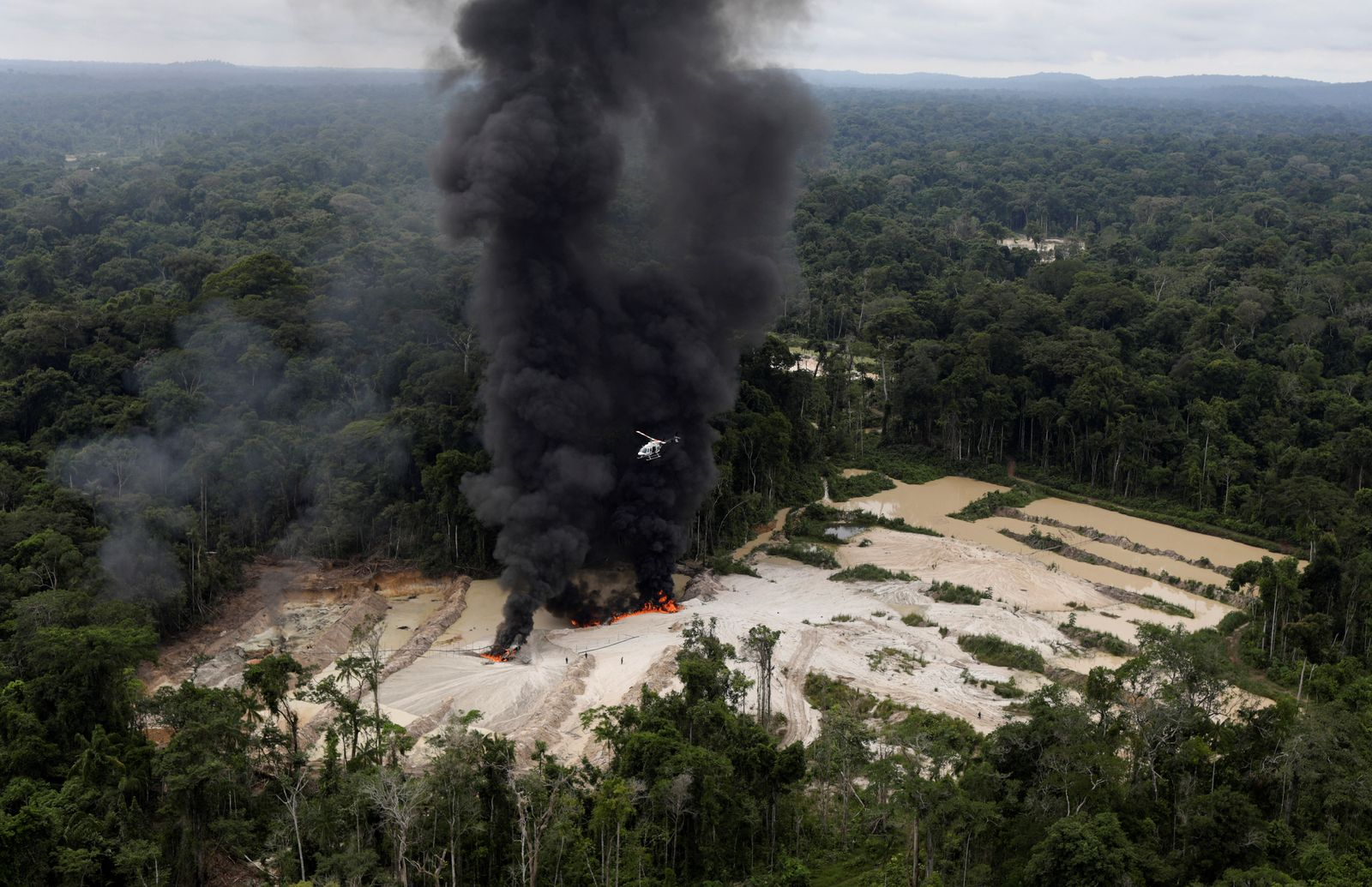 Brasilien/ Amazonas/ illegale Minen