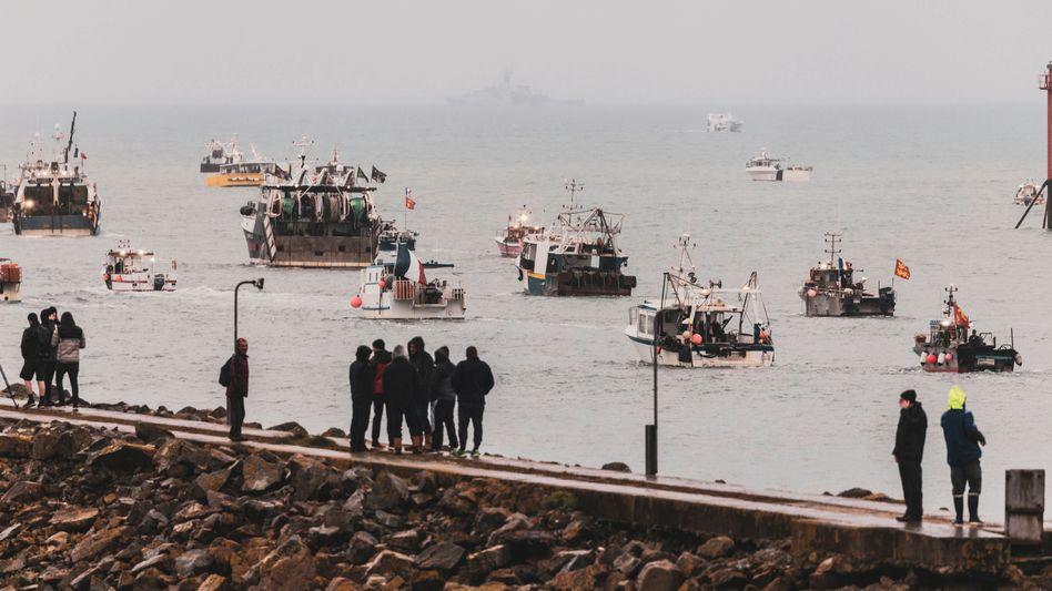 Französische Fischerboote vor der Küste Jerseys