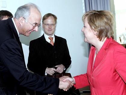 Kirchhof und Merkel: Zum neuen Ludwig Erhard erklärt