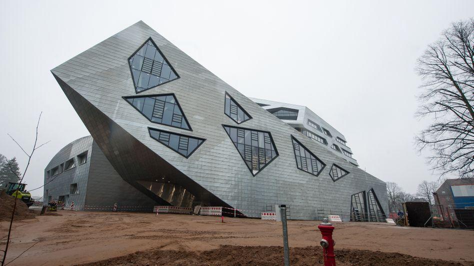 Das 2017 eröffnete Zentralgebäude der Leuphana-Universität in Lüneburg