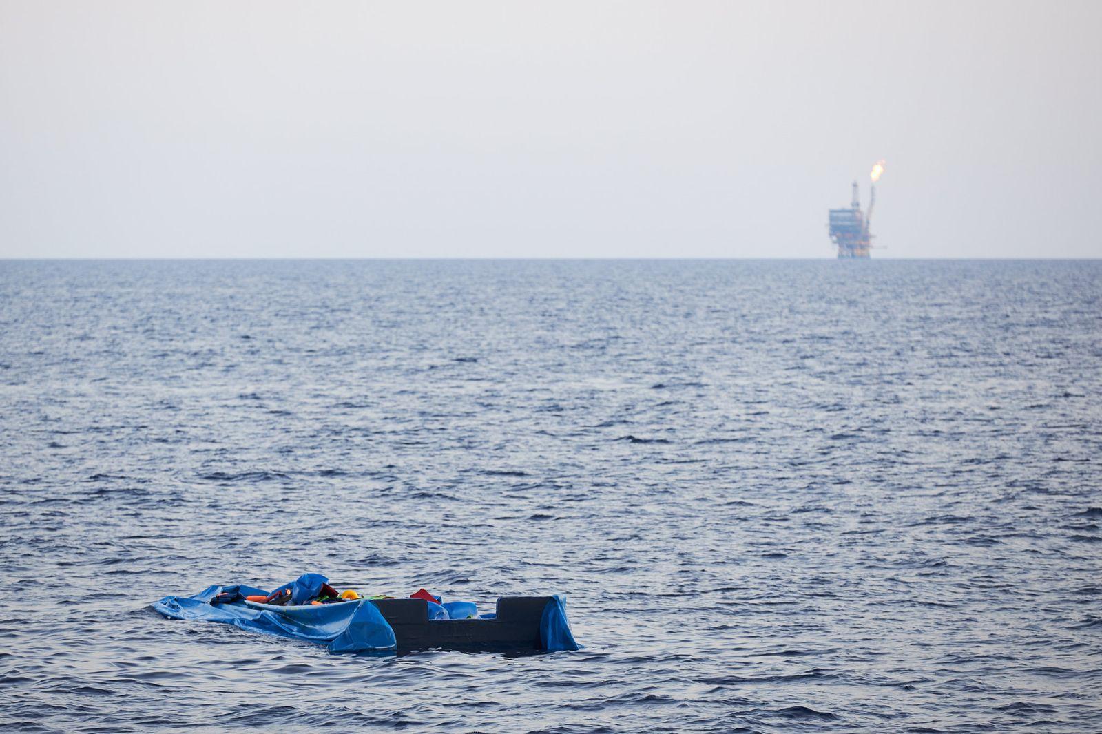 "Rettungsschiff ""Alan Kurdi"" rettet Flüchtlinge vor Libyen"