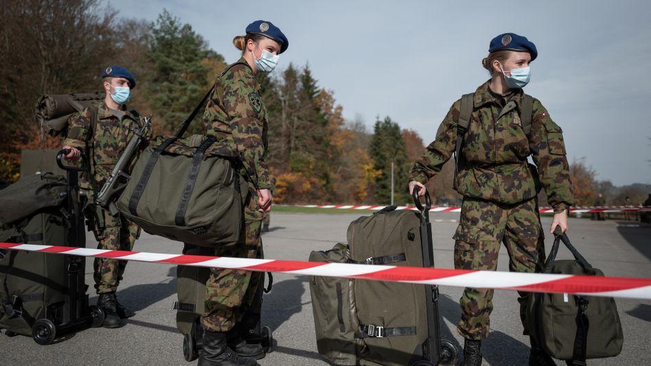 Reservistinnen der Schweizer Armee (Archivbild)