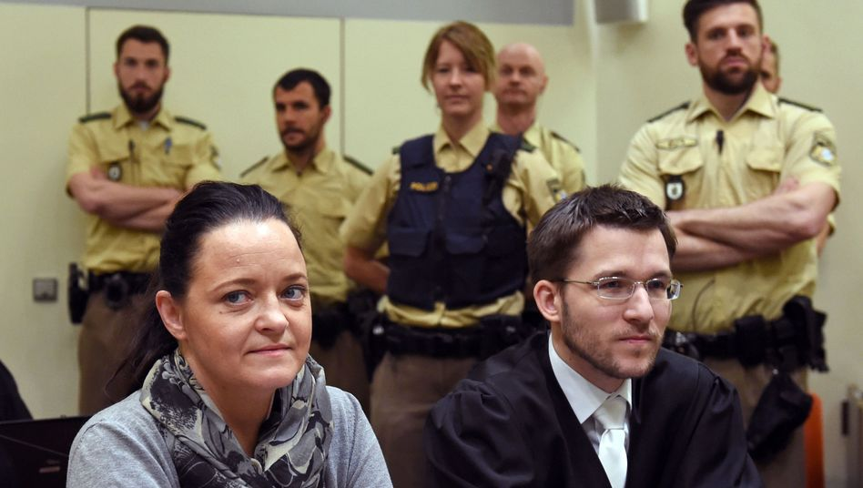 Beate Zschäpe und Anwalt Mathias Grasel