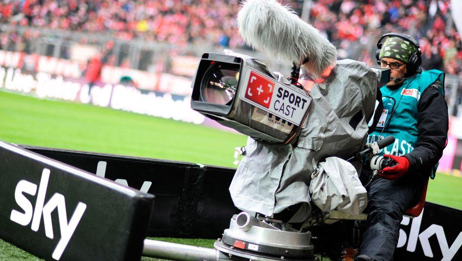 Kameramann in der Bundesliga: Fernseheinnahmen künftig anders verteilt