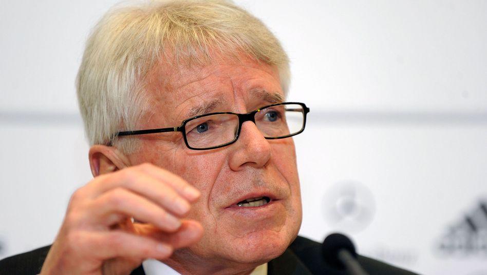 """DFL-Präsident Rauball: """"Führer-Gruß"""" beim Einlaufen """"darf niemals hingenommen werden"""""""