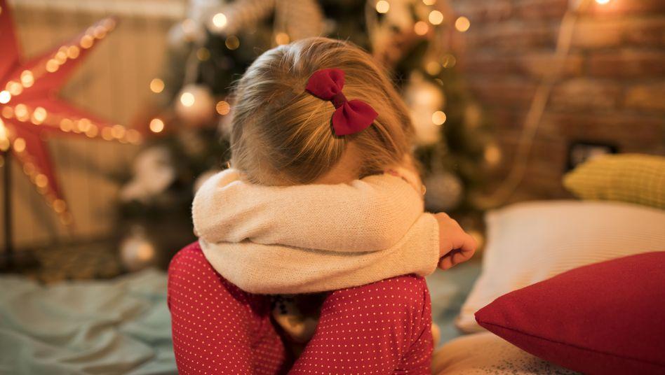 Kinder leiden besonders unter streitenden Erwachsenen: Man sollte ihnen Konfliktsituationen erklären