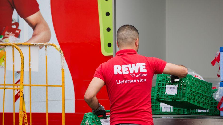 Mitarbeiter von Rewe Online