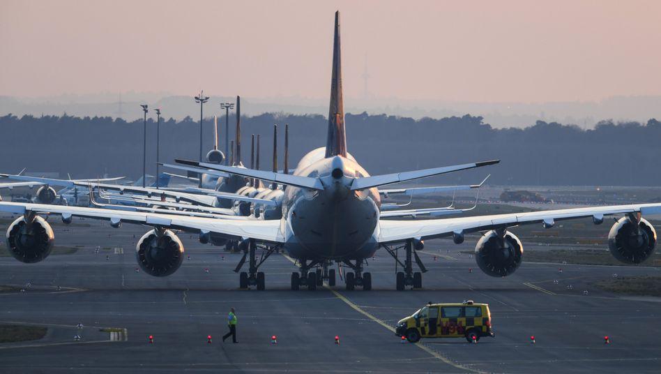 Passagiermaschinen am Flughafen Frankfurt am Main