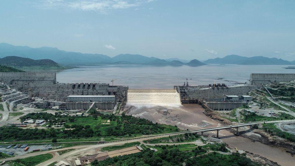 Foto des im Bau befindlichen Great Ethiopian Renaissance Dam (»Gerd«) aus dem Juli 2020
