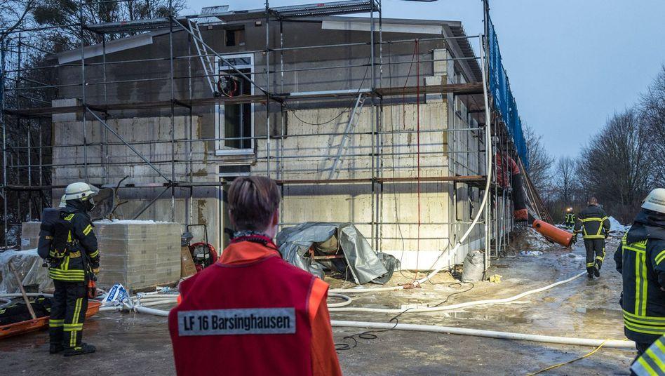 Flüchtlingswohnheim in Barsinghausen: Bei dem Brandanschlag entstand ein Sachschaden von 100.000 Euro