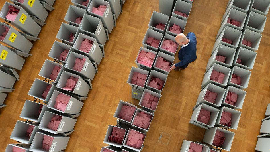 Briefwahlurnen in Sachsen: Meinungsforscher dürfen doch bereits jetzt die Antworten von denjenigen nutzen, die schon gewählt haben