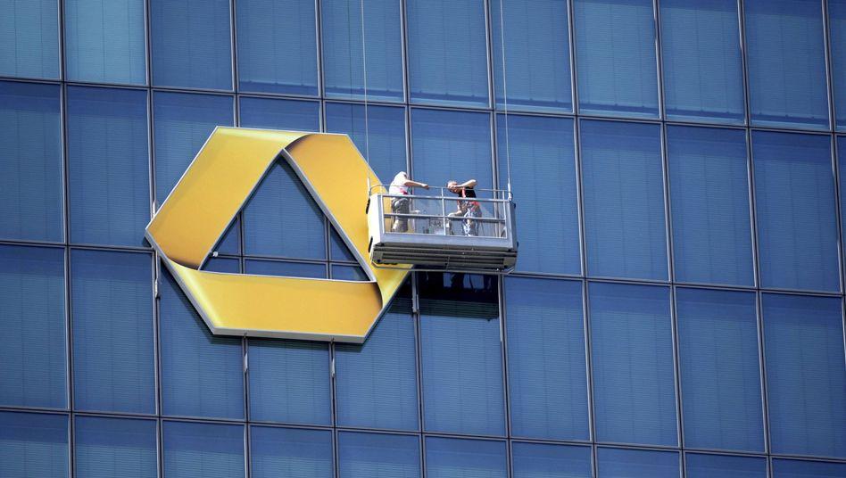 Commerzbank-Zentrale in Frankfurt am Main: Risiken reduzieren