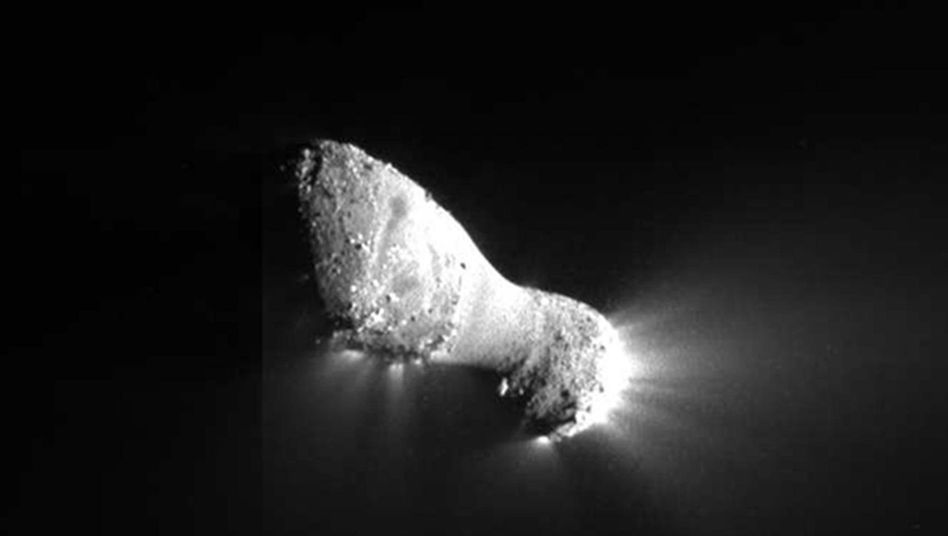 """Komet """"Hartley 2"""": Die Sonde """"Deep Impact"""" lieferte im Vorbeiflug atemberaubende Bilder"""