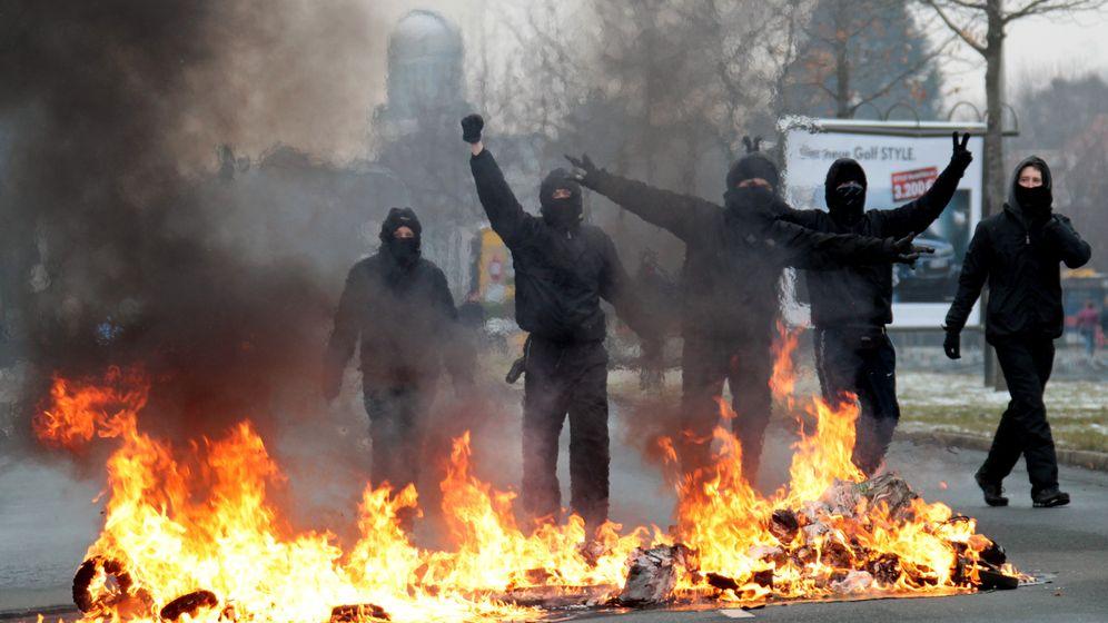 Linke Gewalt: Brandsätze, Randale, Autowracks