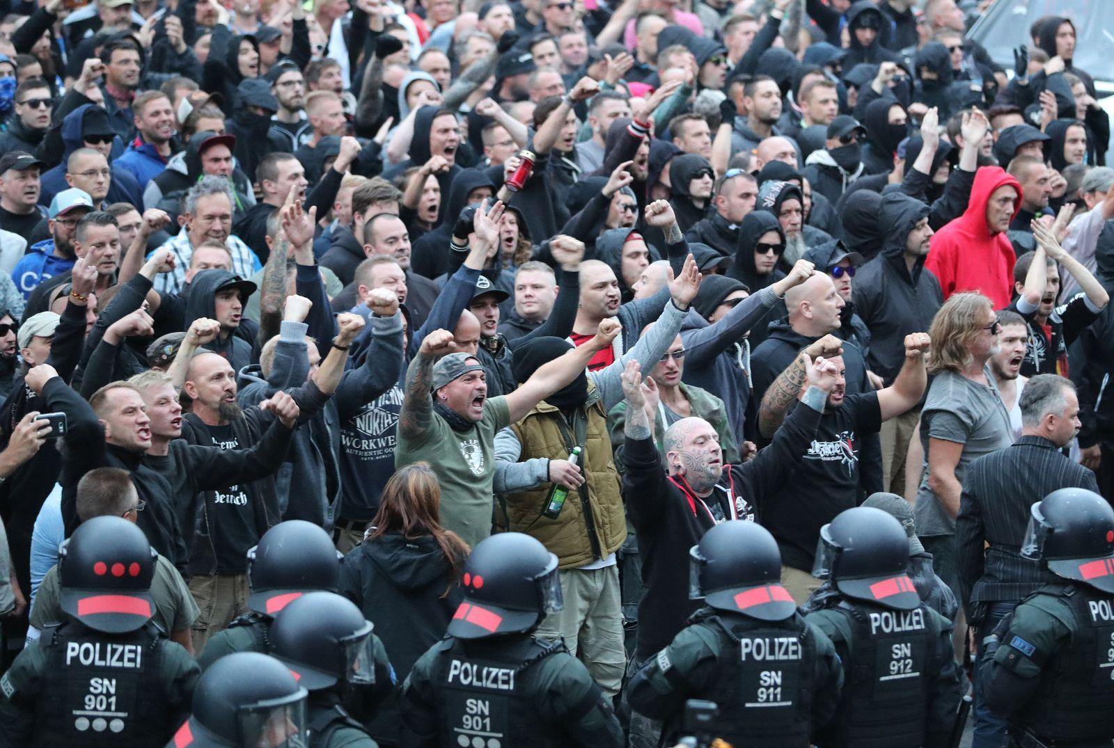 Chemnitz/ Demo/ Zentrum für politische Schönheit