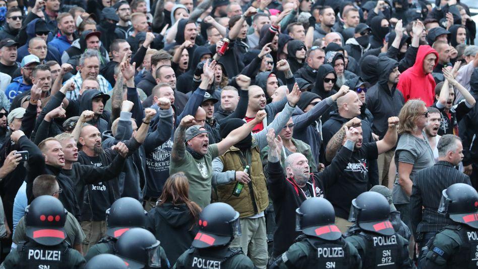 Rechte Demonstranten im August 2018 in Chemnitz
