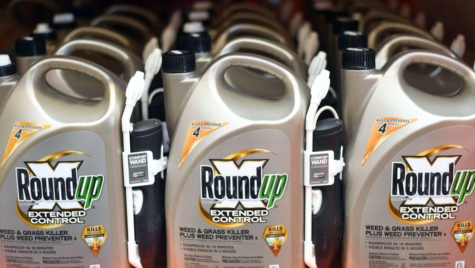 Glyphosathaltiges Pflanzenschutzmittel Roundup: Es sei mit Verlusten von bis zu 1,4 Milliarden US-Dollar zu rechnen, wenn das Mittel nicht mehr auf die Felder gesprüht werden dürfe.
