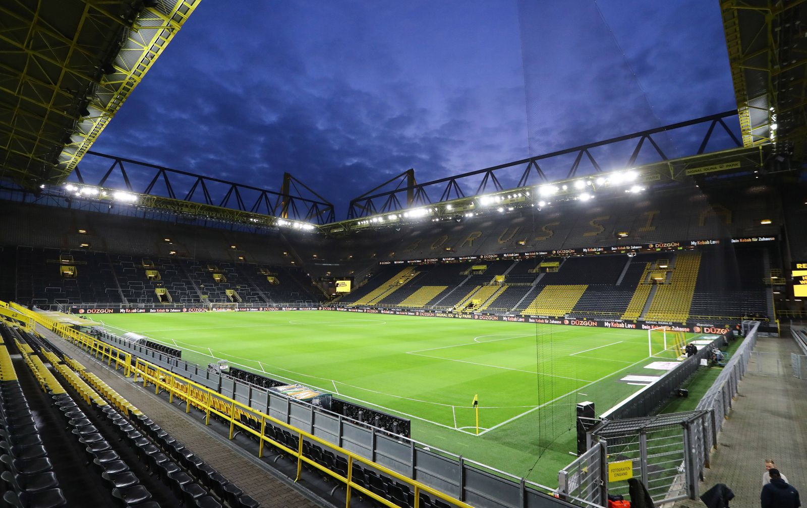 Dortmund - RB Leipzig / Fussball Bundesliga Dortmund, 17.12.2019, Signal Iduna Park, Fussball, BuLi, 16.Spieltag. , BVB