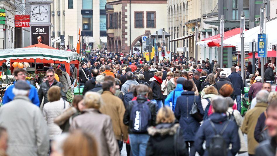 Fußgängerzone in Leipzig: Was bedeutet der Anleihenkauf für Konsumenten
