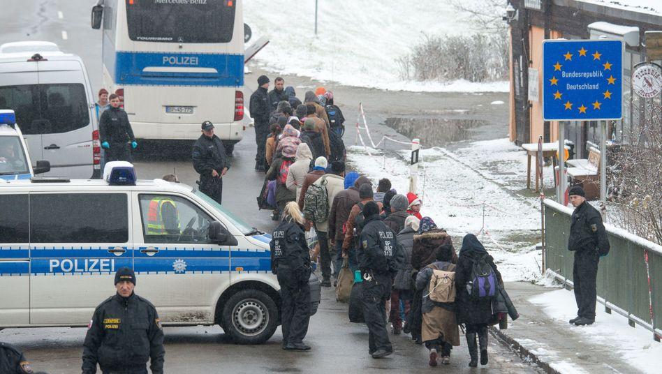 Flüchtlinge an der deutsch-österreichischen Grenze: Diskussion in Brüssel