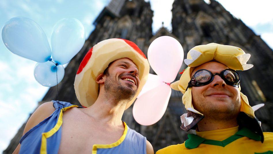 Bunt und fröhlich: So feierten diese Kölner den Beginn des Straßenkarnevals 2018