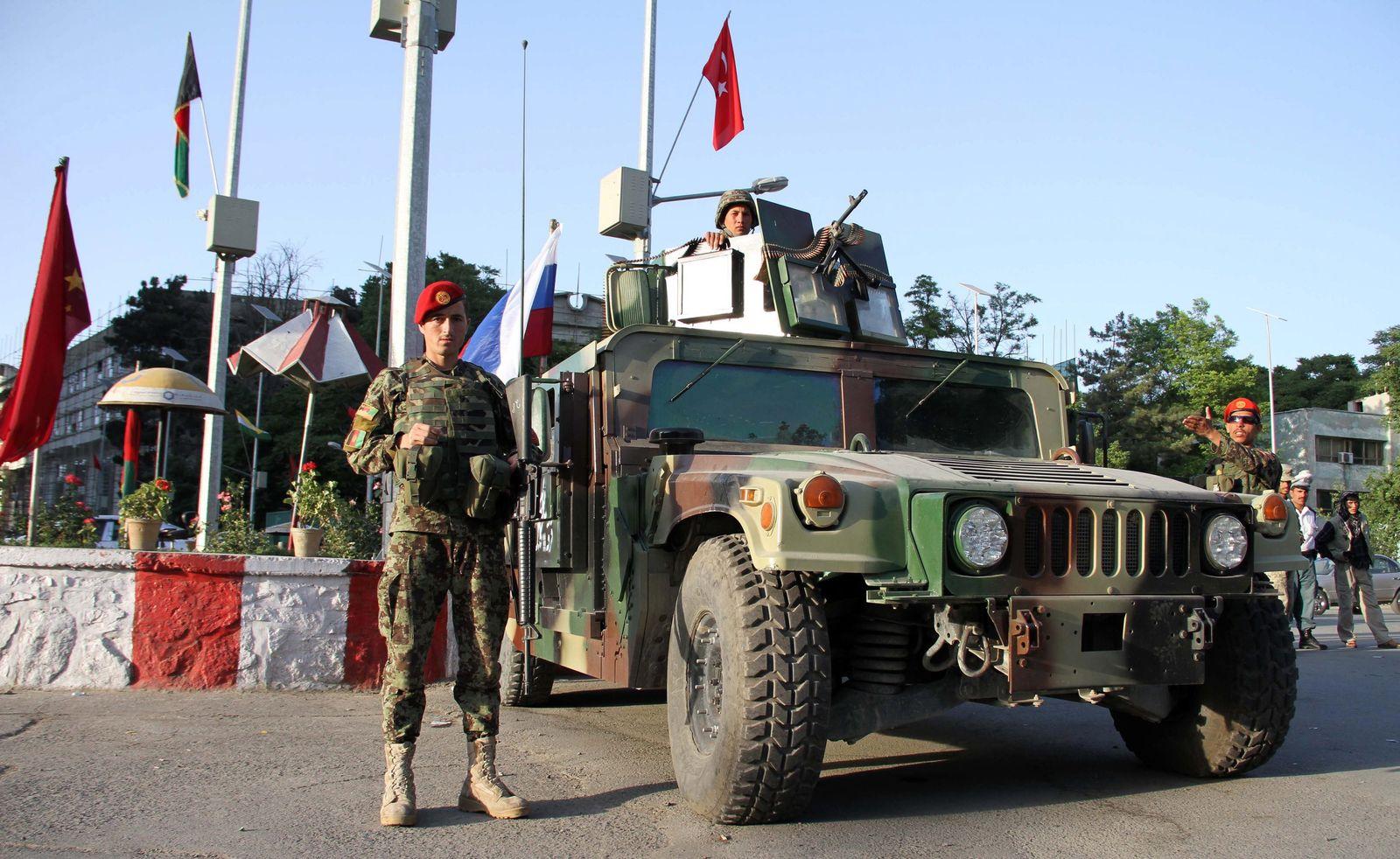 afghanistan soldaten hummer