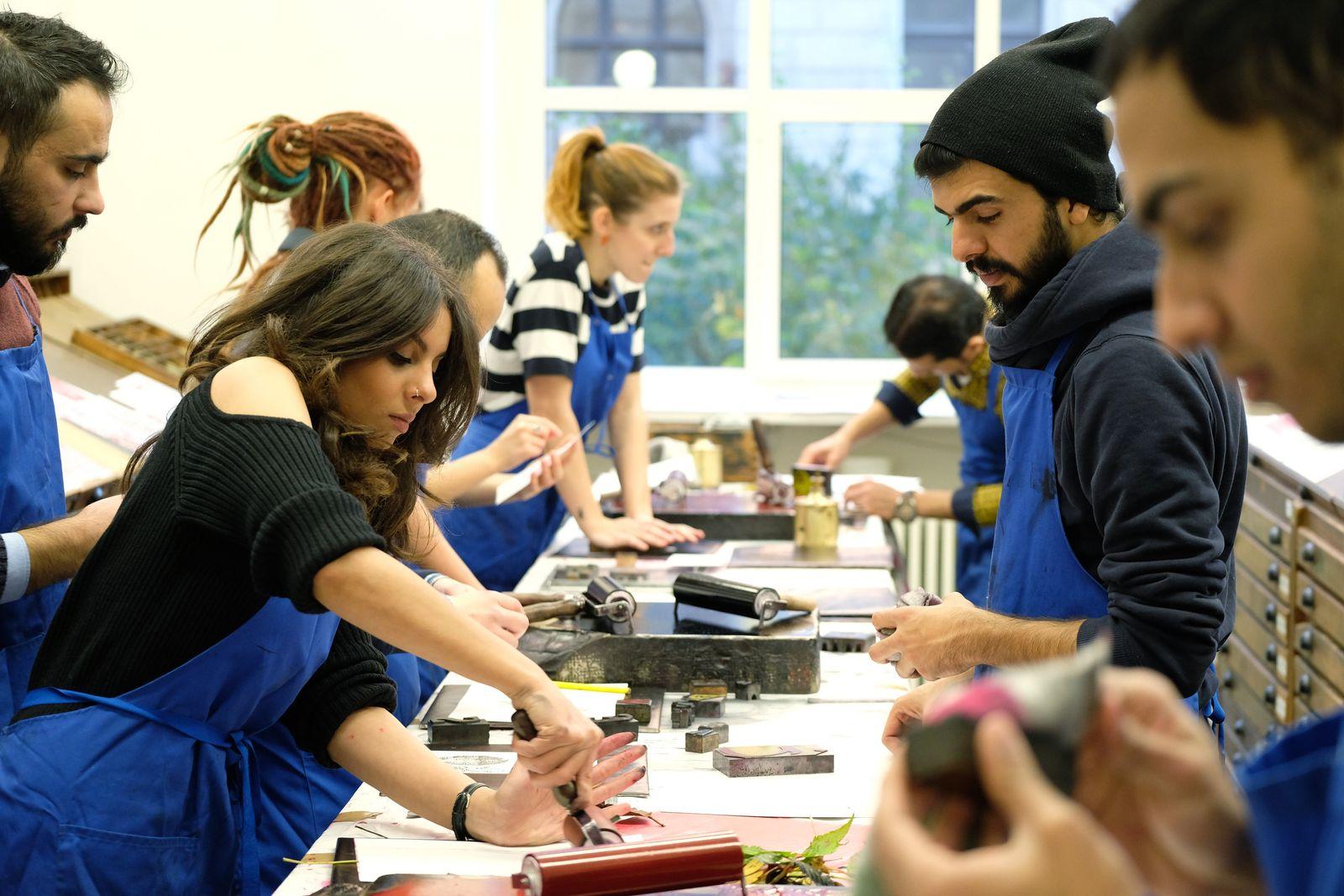 Geflüchtete Kunststudenten studieren an Leipziger HGB