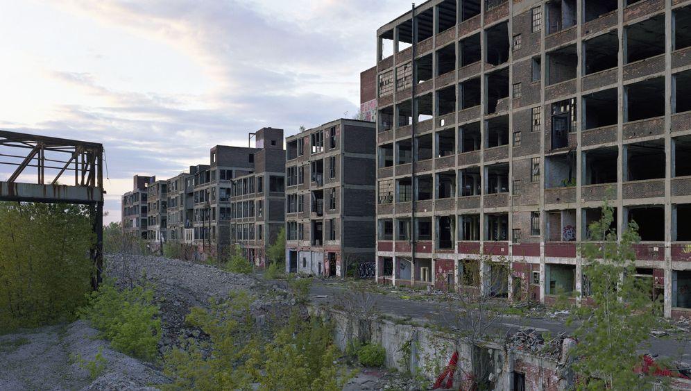 Photo Gallery: Derelict Detroit