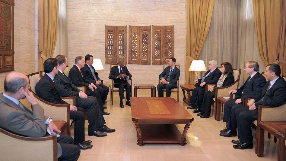 """Annan bei einem Treffen mit Assad: """"Regime muss sich an seinen Taten messen lassen."""""""