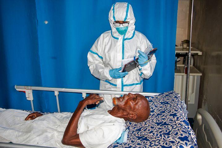 Ein Corona-Patient in Mogadischu: Somalia ist so schlecht vorbereitet auf das Virus wie nur wenige andere L??nder auf der Welt