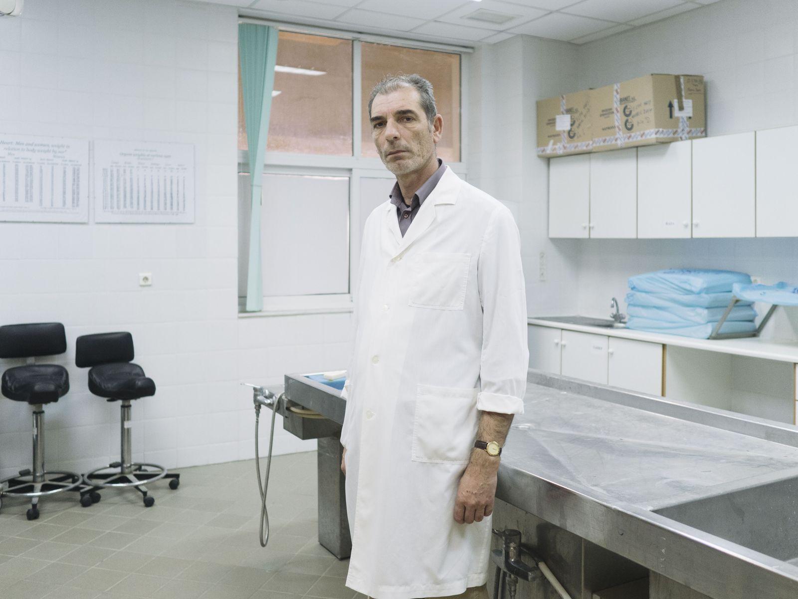 EINMALIGE VERWENDUNG STARTBILD SPIEGEL Plus SPIEGEL 10/2018 S.92 Forensiker Griechenland