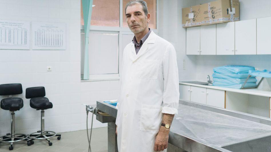Rechtsmediziner Pavlidis: Die toten Migranten verstören selbst ihn, der viel gesehen hat