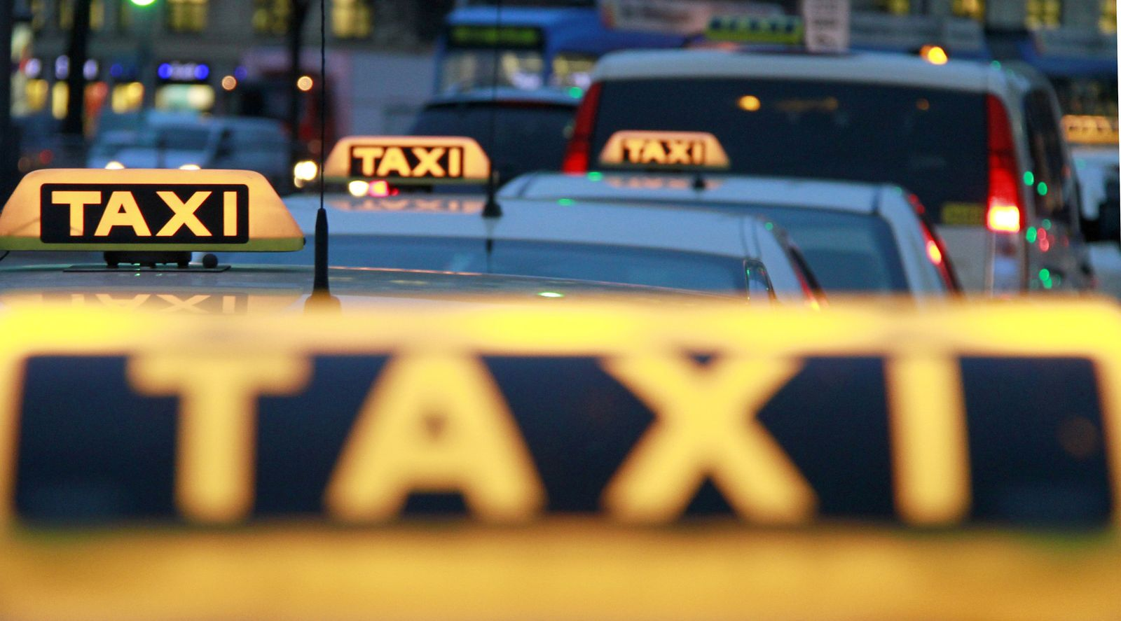 Taxi / Taxis / München