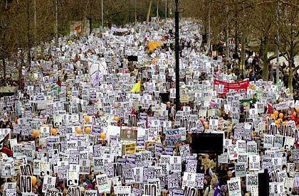 Die Demonstration in London war vermutlich die größte Friedenskundgebung der Stadtgeschichte