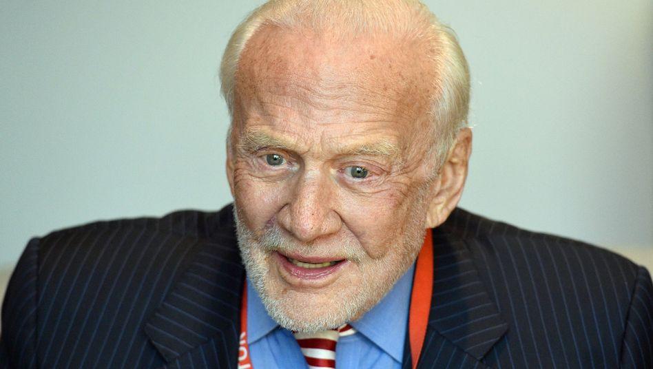 Ex-Astronaut Buzz Aldrin (Anfang November)
