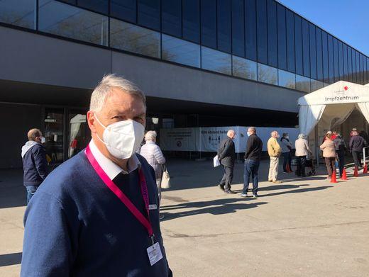 Werner Walz, Leiter des Impfzentrums Tübingen: Plötzlich sind auch die AstraZeneca-Slots schnell ausgebucht