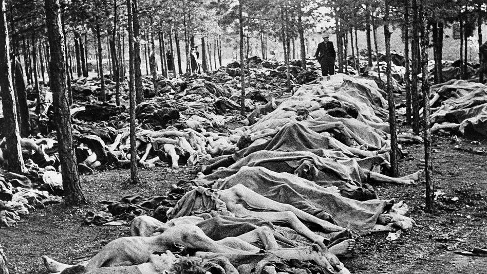 KZ Bergen-Belsen nach der Befreiung durch die britischen Truppen 1945