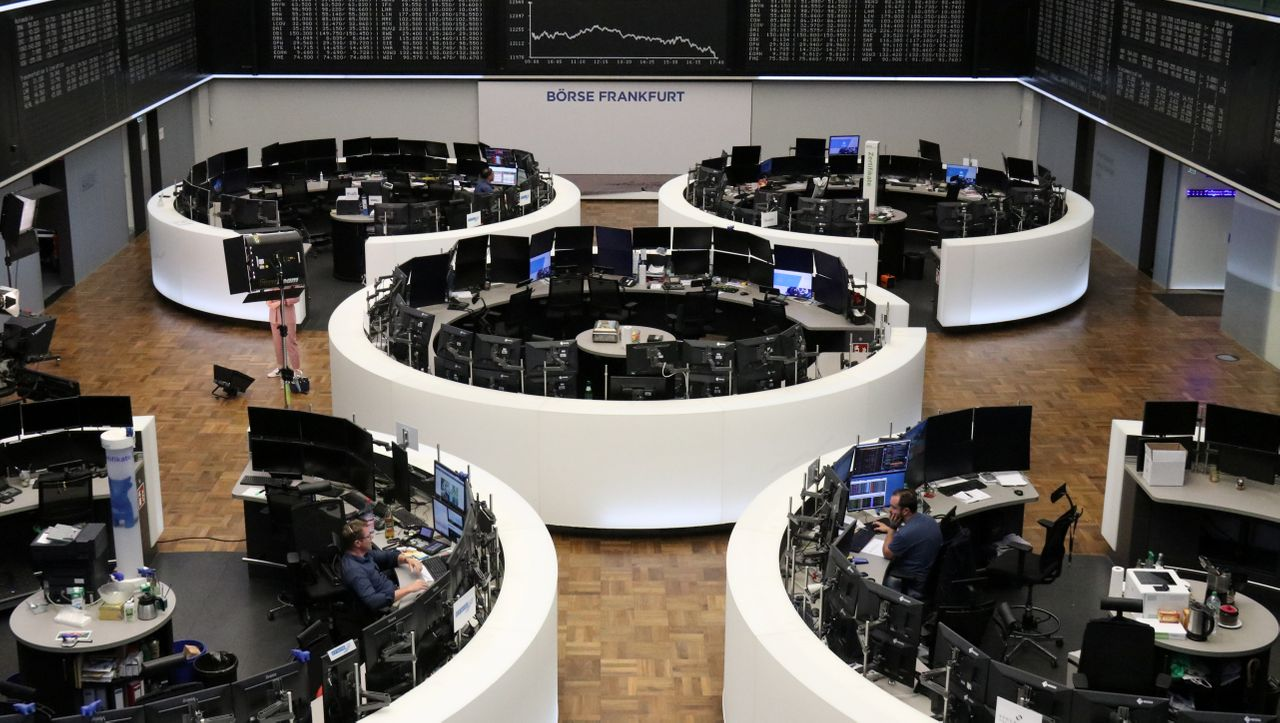 Dax stabilisiert sich zum Wochenausklang, Dow strebt wieder nach oben - DER SPIEGEL - Wirtschaft