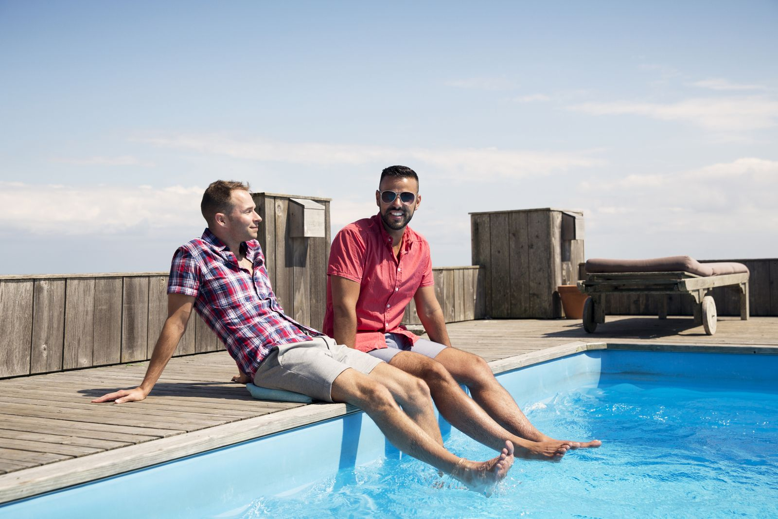 EINMALIGE VERWENDUNG Schwules Paar/ Urlaub
