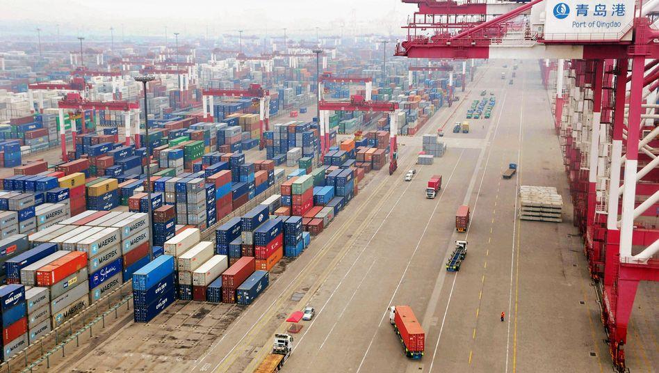 Chinesischer Hafen Qingdao (Archivbild)