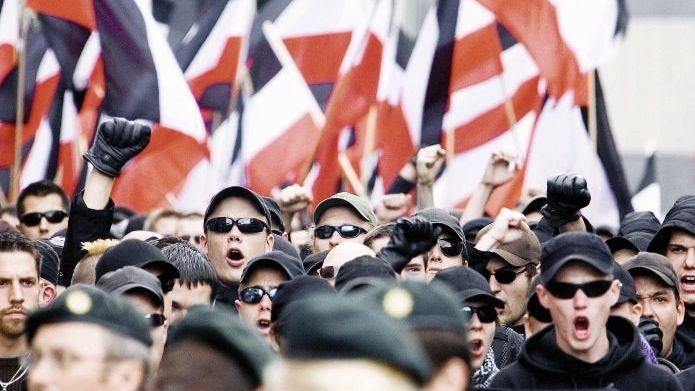 Neonazi-Aufmarsch in Dortmund 2008: 3000 gegen 82 Millionen