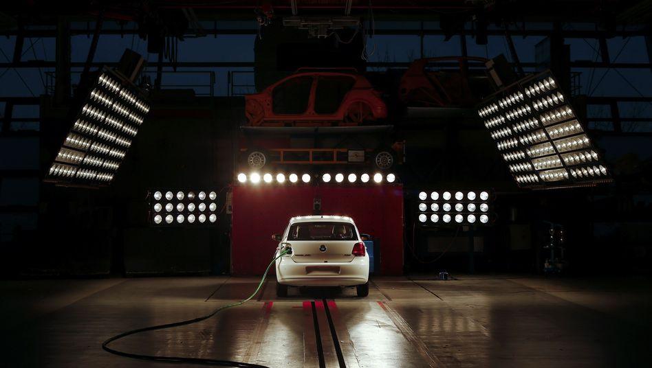 """Auto von VW vor einem ADAC-Crashtest: """"Dämmerung einer Ikone"""""""