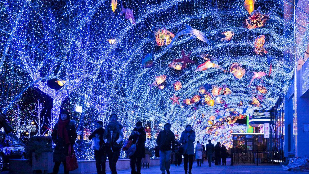Photo Gallery: China Goes Shopping