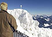 Gipfel der Zugspitze: Keine Spur vom Maibaum