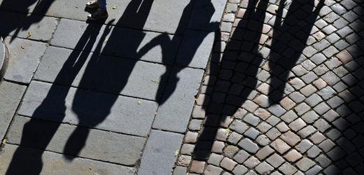 Kindergeld und Steuer-Freibeträge: Bundesregierung will Familien und Steuerzahler entlasten