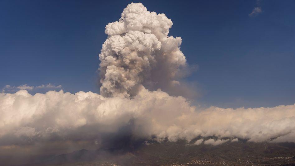 Vulkaneruption auf La Palma: Tausende Menschen mussten bislang ihre Häuser verlassen