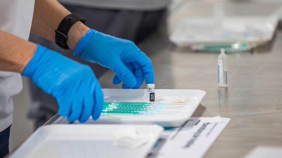 Impfzentrum in Würzburg: Wie schnell sind Impfstoffe gegen die Mutationen verfügbar?
