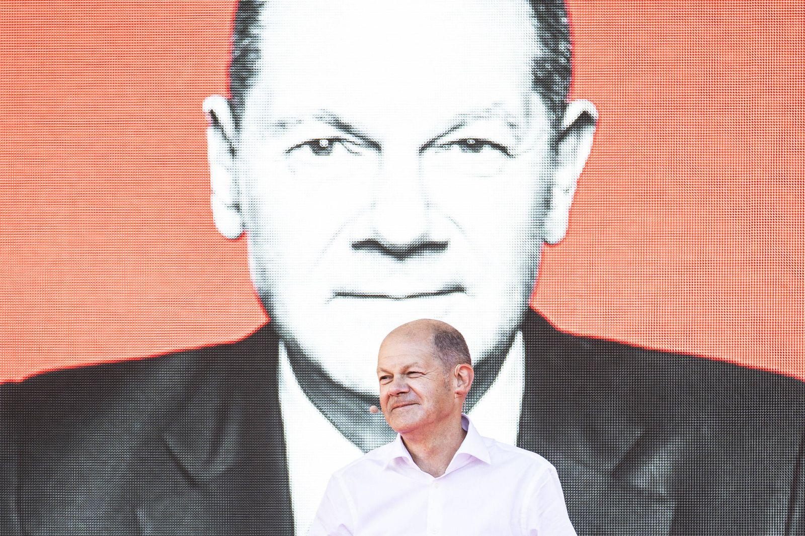Olaf Scholz, Kanzlerkandidat der SPD, aufgenommen im Rahmen einer Wahlkampfveranstaltung der SPD auf dem Bebelplatz in B